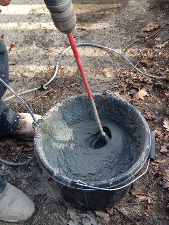 Mixing the non shrink grout